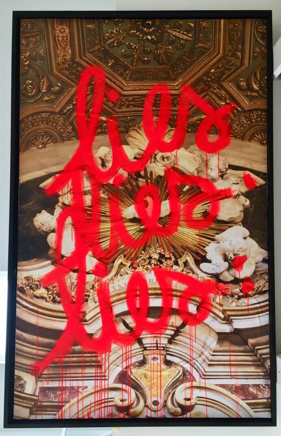 Le Son de Lumière <p><strong>LIES LIES LIES </strong></p> <p>Photo / Affiche, acrylique, cadre</p> <p>126 cm X 197 cm</p>  - Helenbeck Gallery Nice